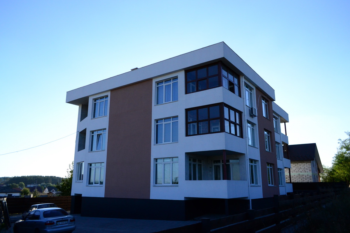 Готові квартири та будинки